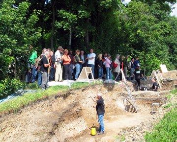 Niedersächsische Archäologen auf Exkursion. © Ute Bartelt