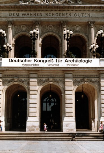 Eingang Deutscher Kongress für Archäologie